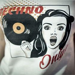 T-Shirt Femme Techno Only!